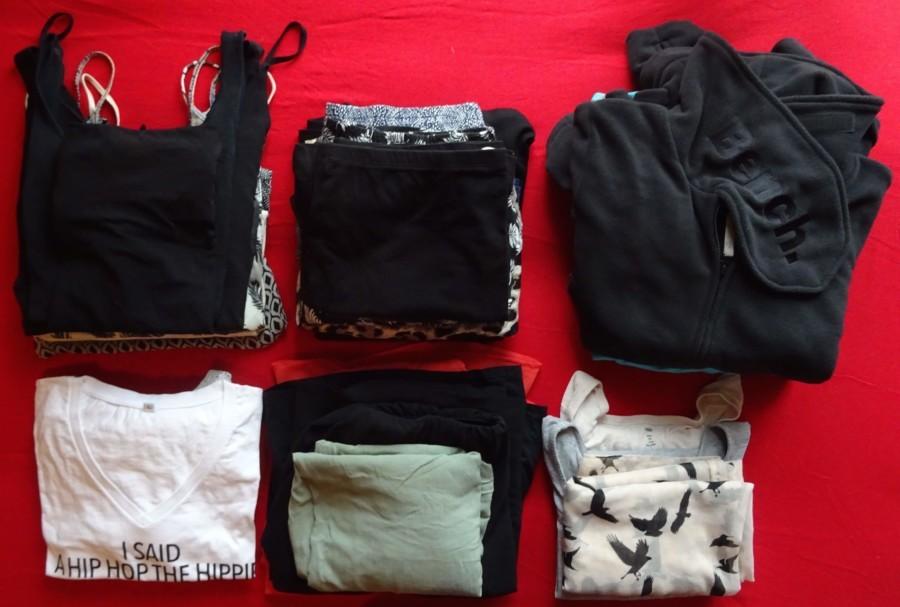 T-Shirts, Hosen, Röcke und Kleider