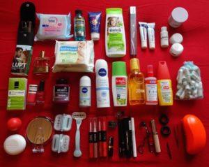 Kosmetik-Artikel der Packliste