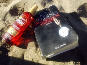 Zähl nicht die Stunden von Joy Fielding Und Sonnenöl im Sand