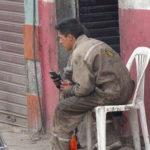 Mechaniker in Bolivien machen Pause