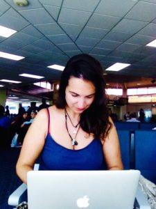 Kathi arbeitet am Flughafen in Panama